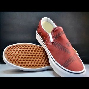 -New Custom Vans Classic Slip-On (Maroon)
